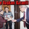 Belediye Başkanı Karanfil Dağıttı