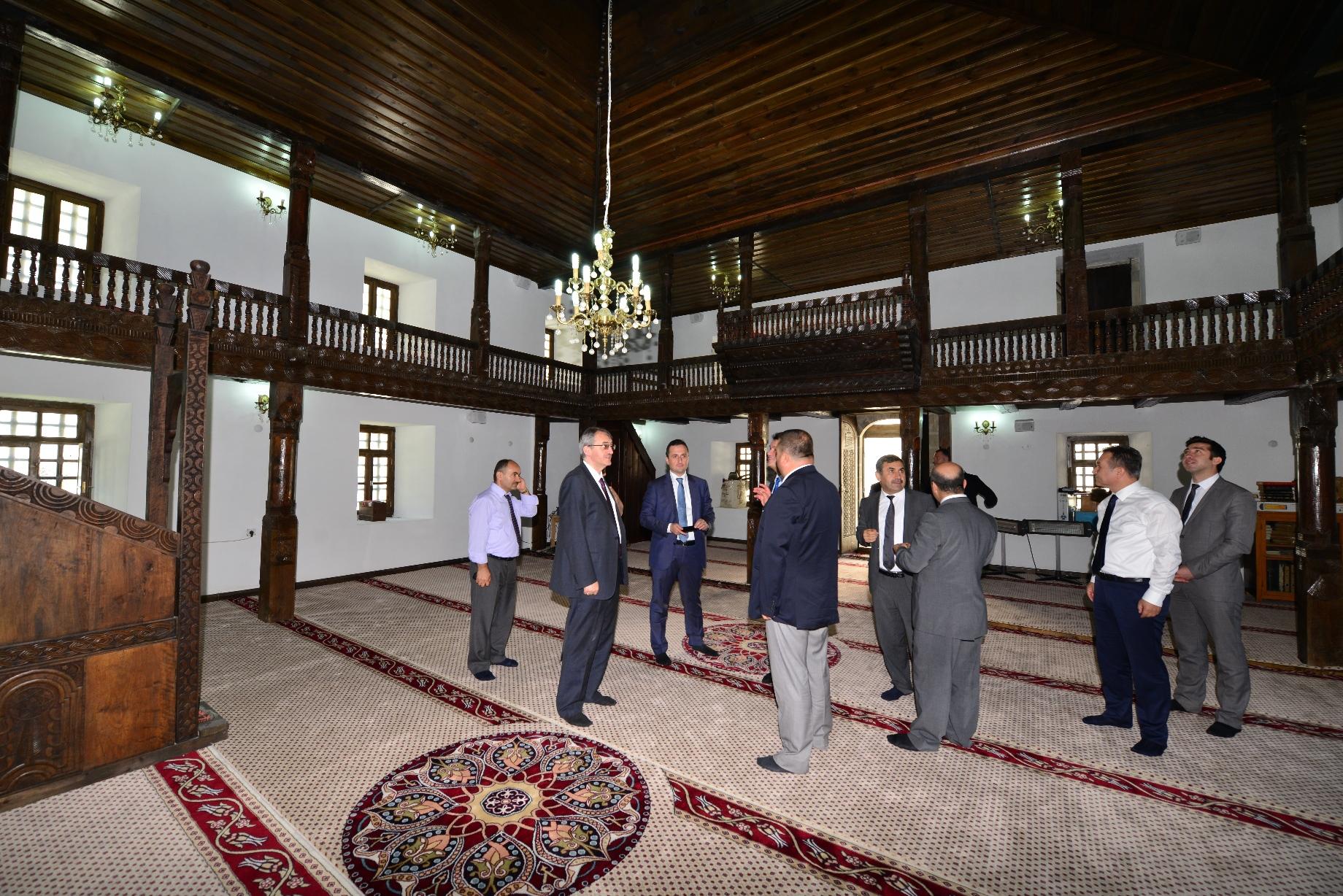 Zeytinlik Köyü Cami ve Kümbetler Geziye Açıldı